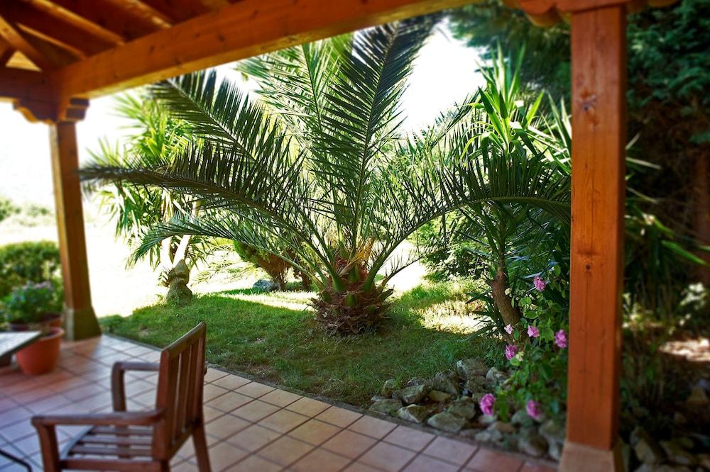 아이레 데 루에스가(Aire de Ruesga) Hotel Image 45 - Terrace/Patio