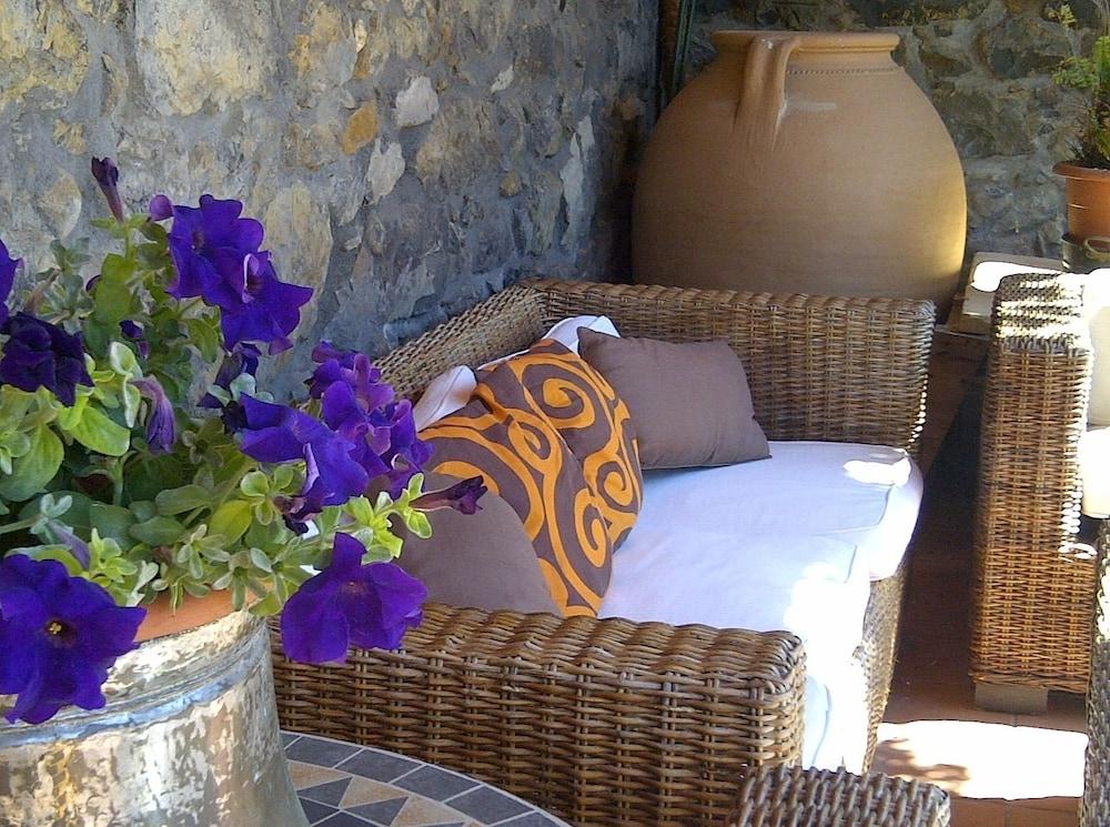 아이레 데 루에스가(Aire de Ruesga) Hotel Image 43 - Terrace/Patio