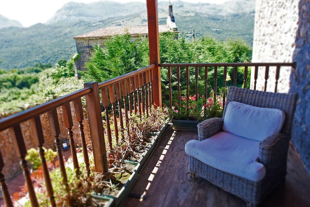 아이레 데 루에스가(Aire de Ruesga) Hotel Image 14 - Balcony