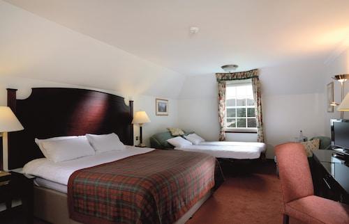 . Macdonald Forest Hills Hotel & Spa