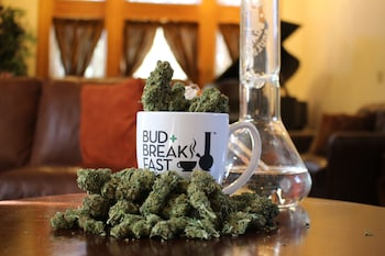 Bud+Breakfast at The Adagio