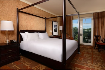 Standard Room, 1 King Bed, Balcony, City View