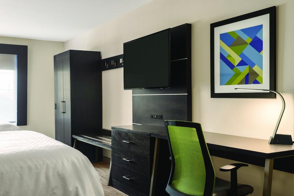 홀리데이 인 익스프레스 호텔 앤드 스위트 로턴-포트실(Holiday Inn Express Hotel & Suites Lawton-Fort Sill) Hotel Image 10 - Guestroom