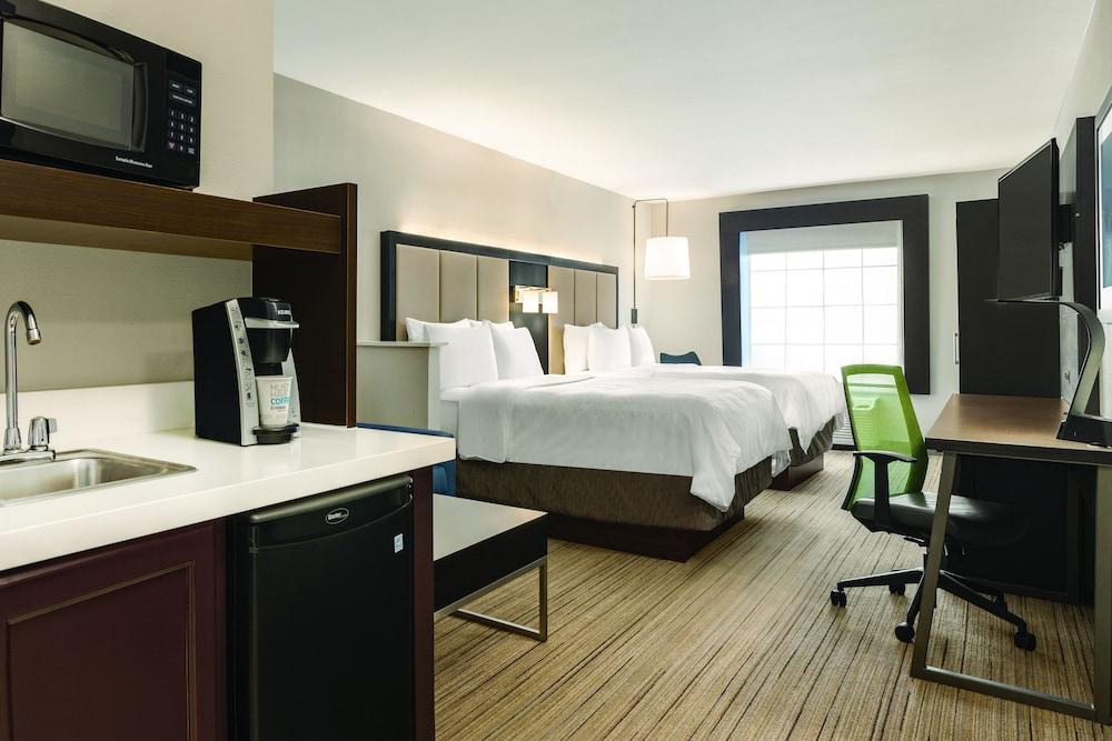 홀리데이 인 익스프레스 호텔 앤드 스위트 로턴-포트실(Holiday Inn Express Hotel & Suites Lawton-Fort Sill) Hotel Image 12 - Guestroom