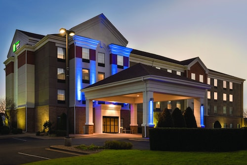. Holiday Inn Express Hotel & Suites Lawton-Fort Sill