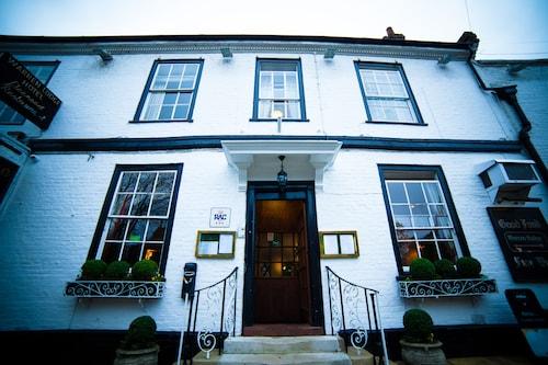 . Warren Lodge Hotel