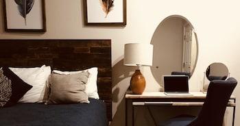 Hotel - Budget Lodging