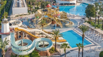 Titanic Beach & Resort
