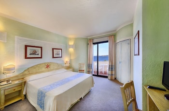 Frontal Sea View Room