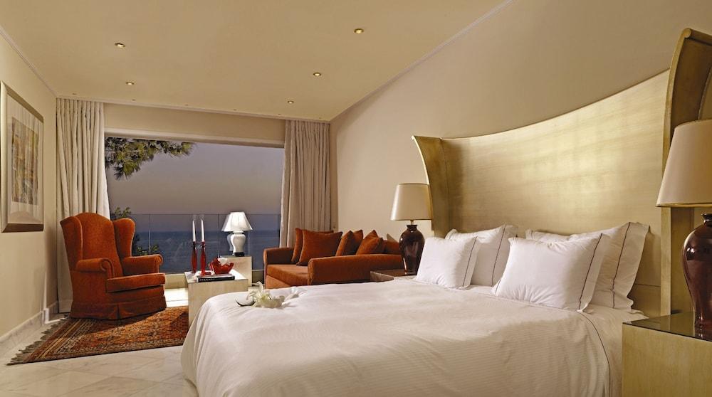 https://i.travelapi.com/hotels/2000000/1170000/1164100/1164026/2001a3b9_z.jpg