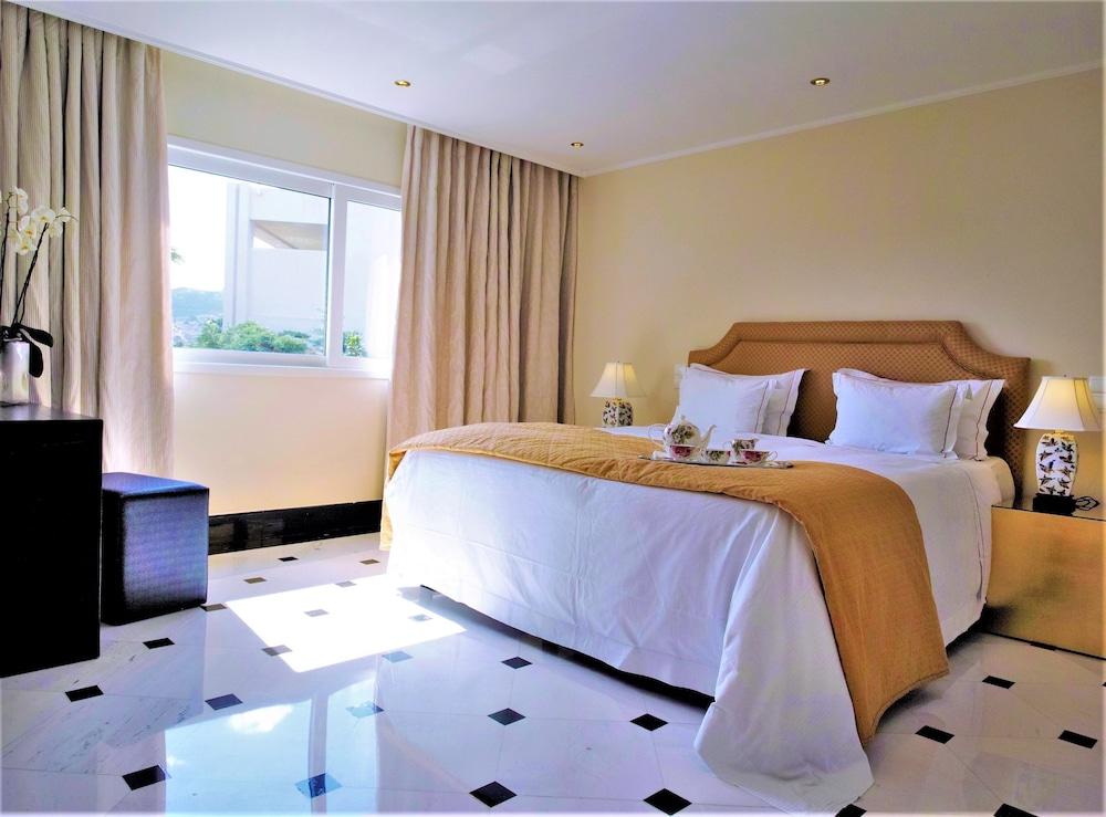 https://i.travelapi.com/hotels/2000000/1170000/1164100/1164026/2d74569c_z.jpg