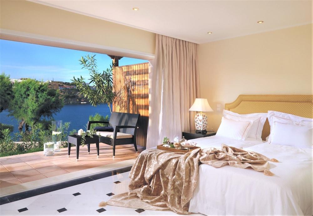 https://i.travelapi.com/hotels/2000000/1170000/1164100/1164026/8134ba78_z.jpg