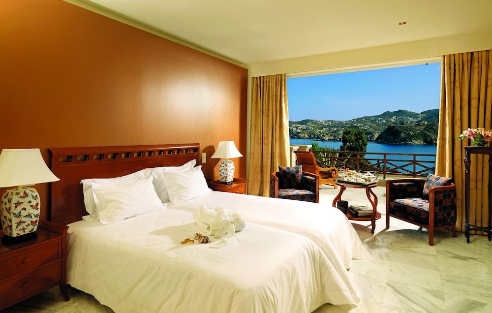 https://i.travelapi.com/hotels/2000000/1170000/1164100/1164026/a79a2fe9_z.jpg