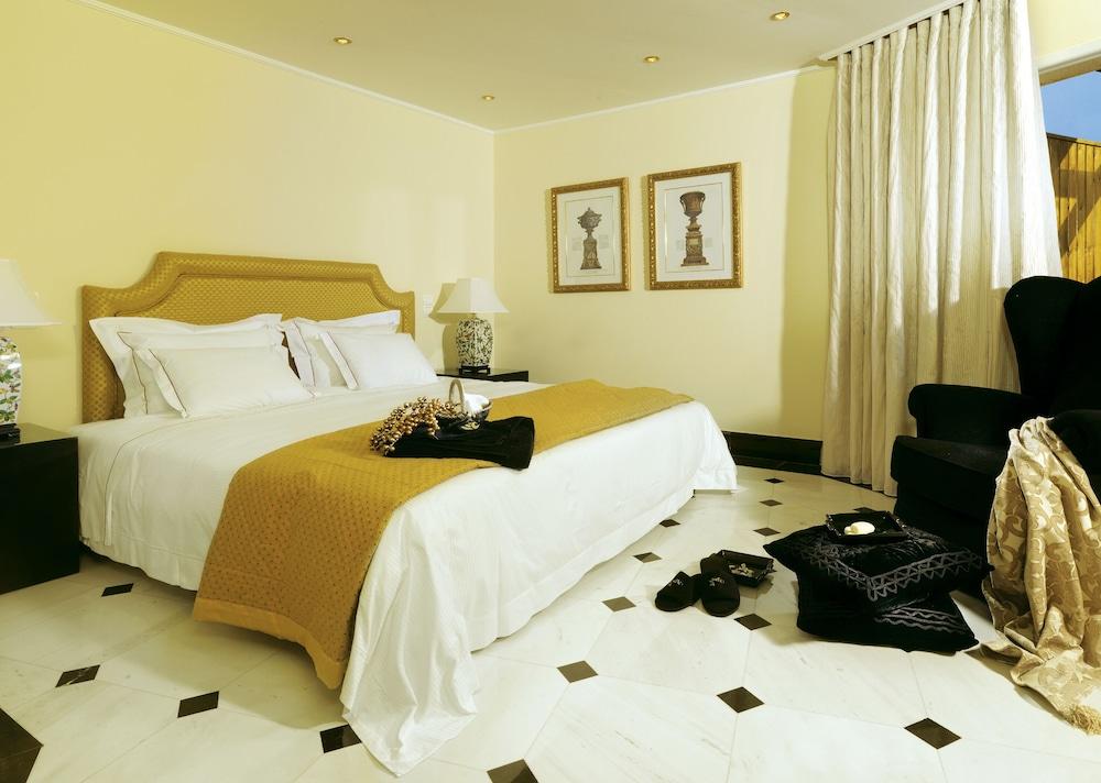 https://i.travelapi.com/hotels/2000000/1170000/1164100/1164026/d4045f7f_z.jpg