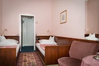 Double Room, Shared Bathroom