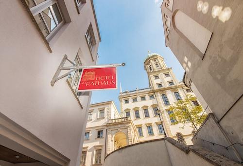 . Hotel am Rathaus