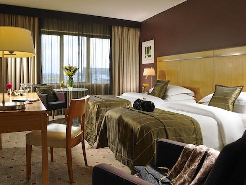 Clayton Hotel Liffey Valley,