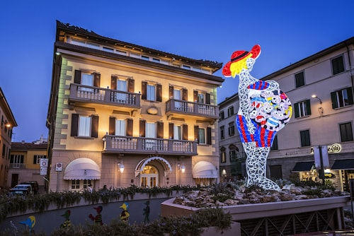. Armonia Hotel