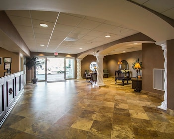 West Palm Beach Vacations - Comfort Inn And Suites - Property Image 1