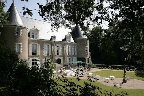 . Château de Pray