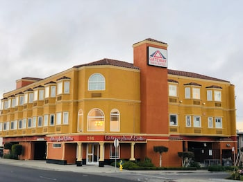 Hotel - Gateway Inn and Suites Hotel