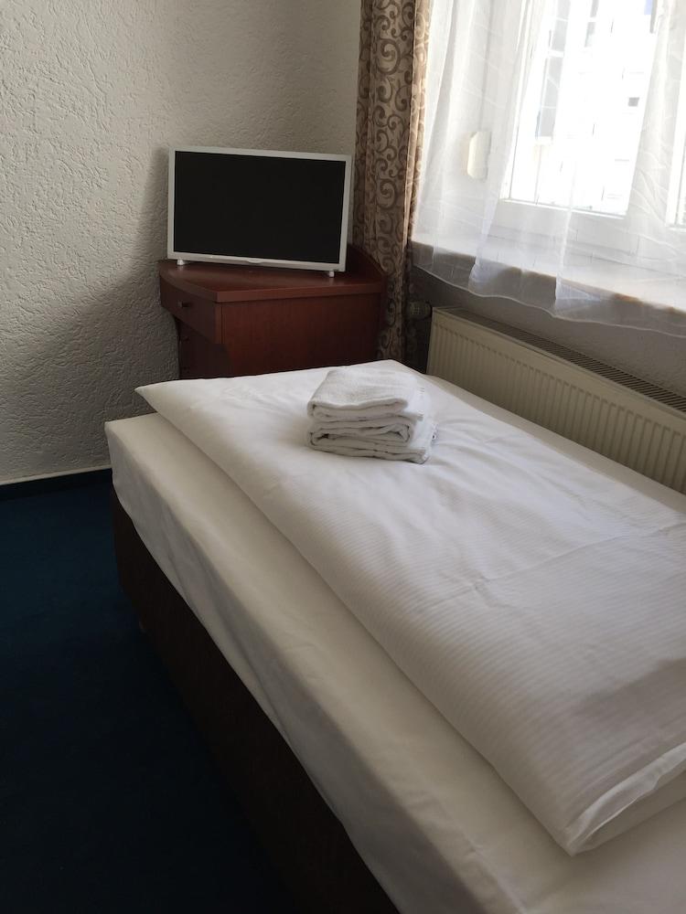 ホテル オーレリア