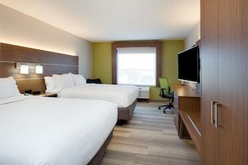 Room, 2 Queen Beds, Microwave