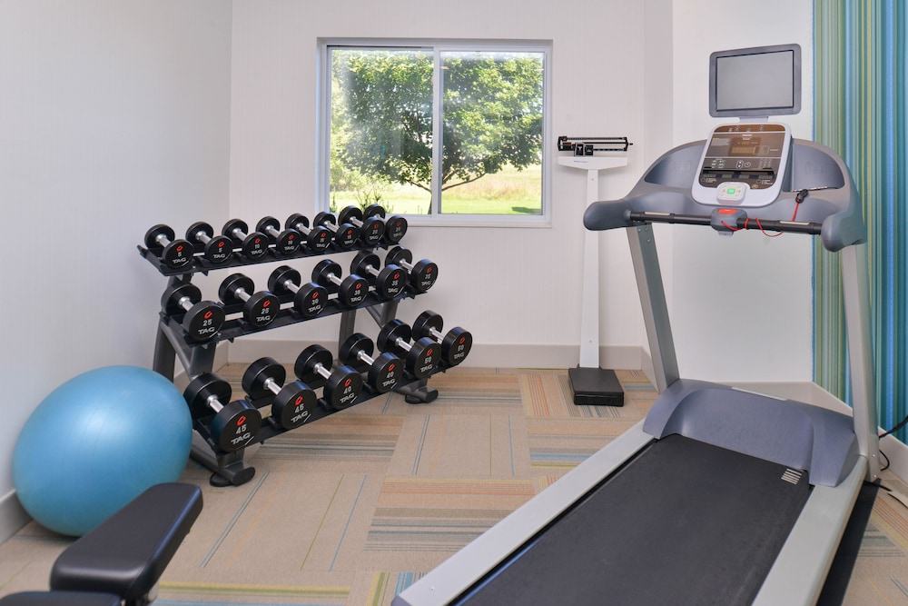 Health and Fitness : Fitness Facility 25 of 89