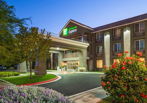 . Holiday Inn Express Lancaster, an IHG Hotel