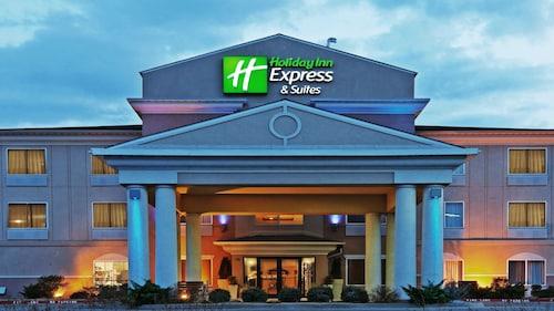 . Holiday Inn Express & Suites Chickasha