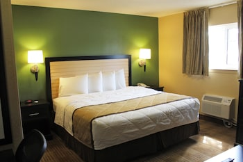Guestroom at Extended Stay America Chesapeake - Greenbrier Circle in Chesapeake