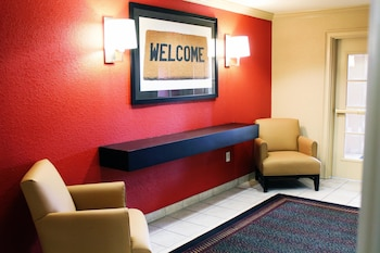Lobby at Extended Stay America Chesapeake - Greenbrier Circle in Chesapeake