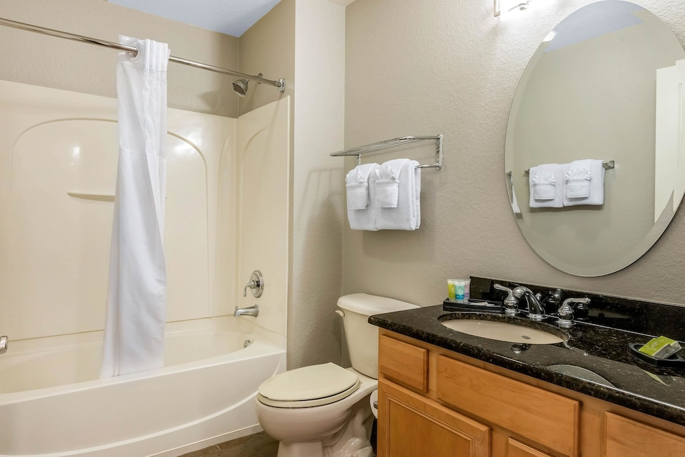 Suite, 3 Bedrooms, Non Smoking (Accessible)