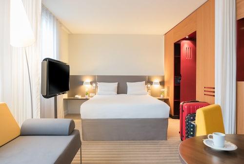 . Novotel Suites Cannes Centre