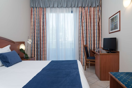 Collegno - Blu Hotel, Sure Hotel Collection by Best Western - z Wrocławia, 27 marca 2021, 3 noce