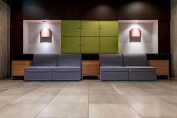 THE B TOKYO SANGENJAYA Lobby Sitting Area