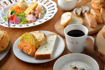 THE B TOKYO SANGENJAYA Breakfast Meal