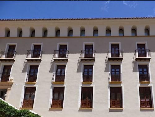 . Hospederia Palacio la Iglesuela del Cid