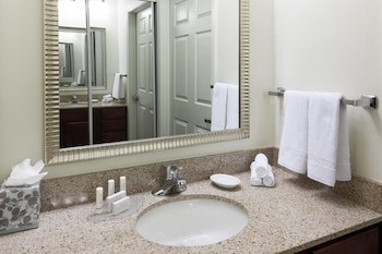 Guestroom at Residence Inn by Marriott Fort Worth Cultural District in Fort Worth