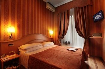 Book Hotel Solis in Rome.