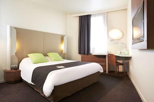 Bussy Saint Georges - Hotel Campanile Marne La Vallée - Bussy Saint Georges - z Gdańska, 13 kwietnia 2021, 3 noce