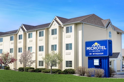 . Microtel Inn & Suites by Wyndham Mankato