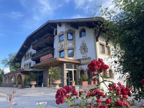__{offers.Best_flights}__ Hotel Tyrolis