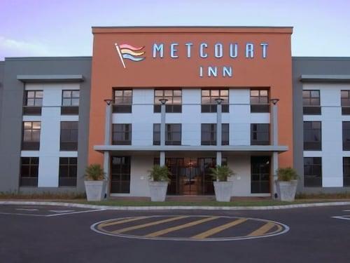 . Peermont Metcourt Inn at The Grand Palm Resort