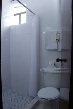 Best Western Madan Villahermosa - Bathroom  - #0