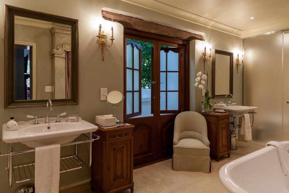 란제락 호텔(Lanzerac Hotel) Hotel Image 33 - Bathroom