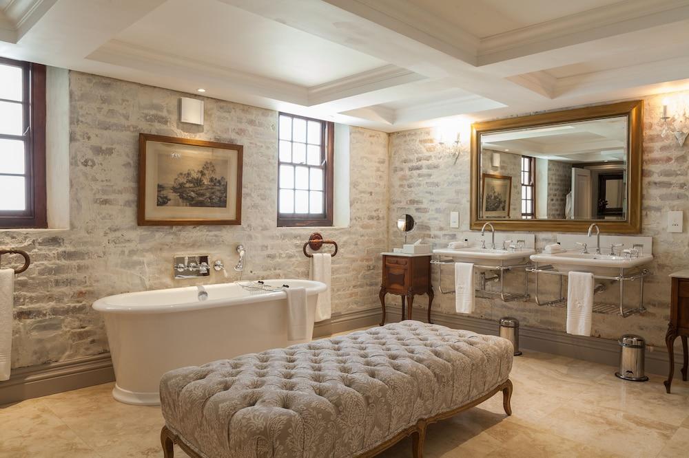 란제락 호텔(Lanzerac Hotel) Hotel Image 37 - Bathroom
