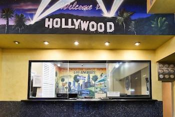ハリウッド イン エクスプレス サウス