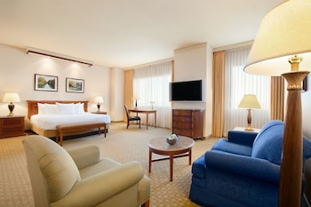 Junior Suite, 1 King Bed with Sofa bed, Smoking