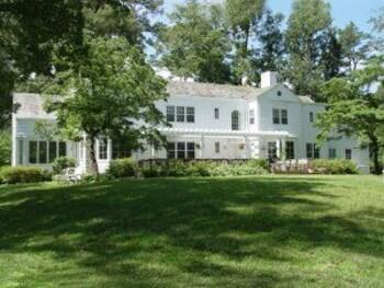The Pond House Inn